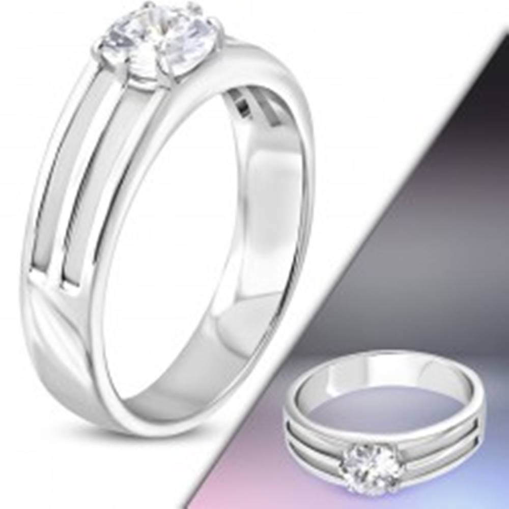 Šperky eshop Prsteň z chirurgickej ocele - tri tenké obruče so zirkónom v strede - Veľkosť: 49 mm