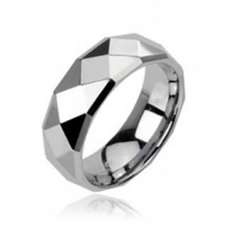 Tungstenový prsteň striebornej farby s brúsenými kosoštvorcami, 6 mm - Veľkosť: 49 mm