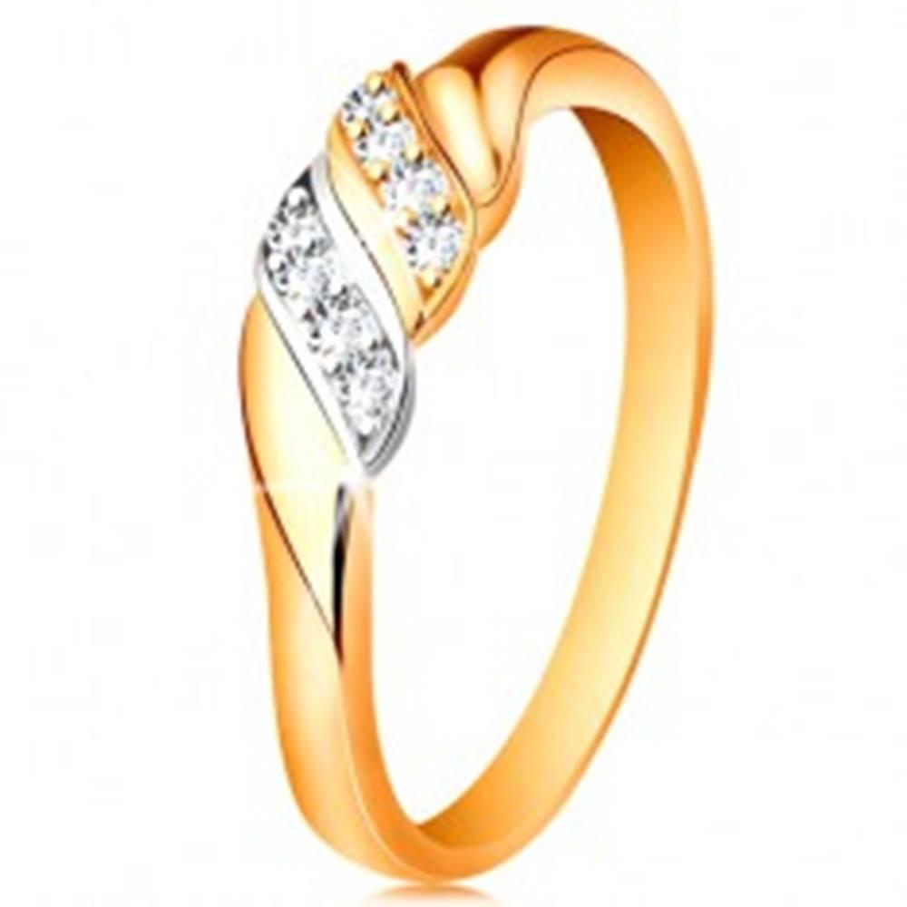 Šperky eshop Zlatý prsteň 585 - dve vlnky z bieleho a žltého zlata, trblietavé číre zirkóny - Veľkosť: 49 mm