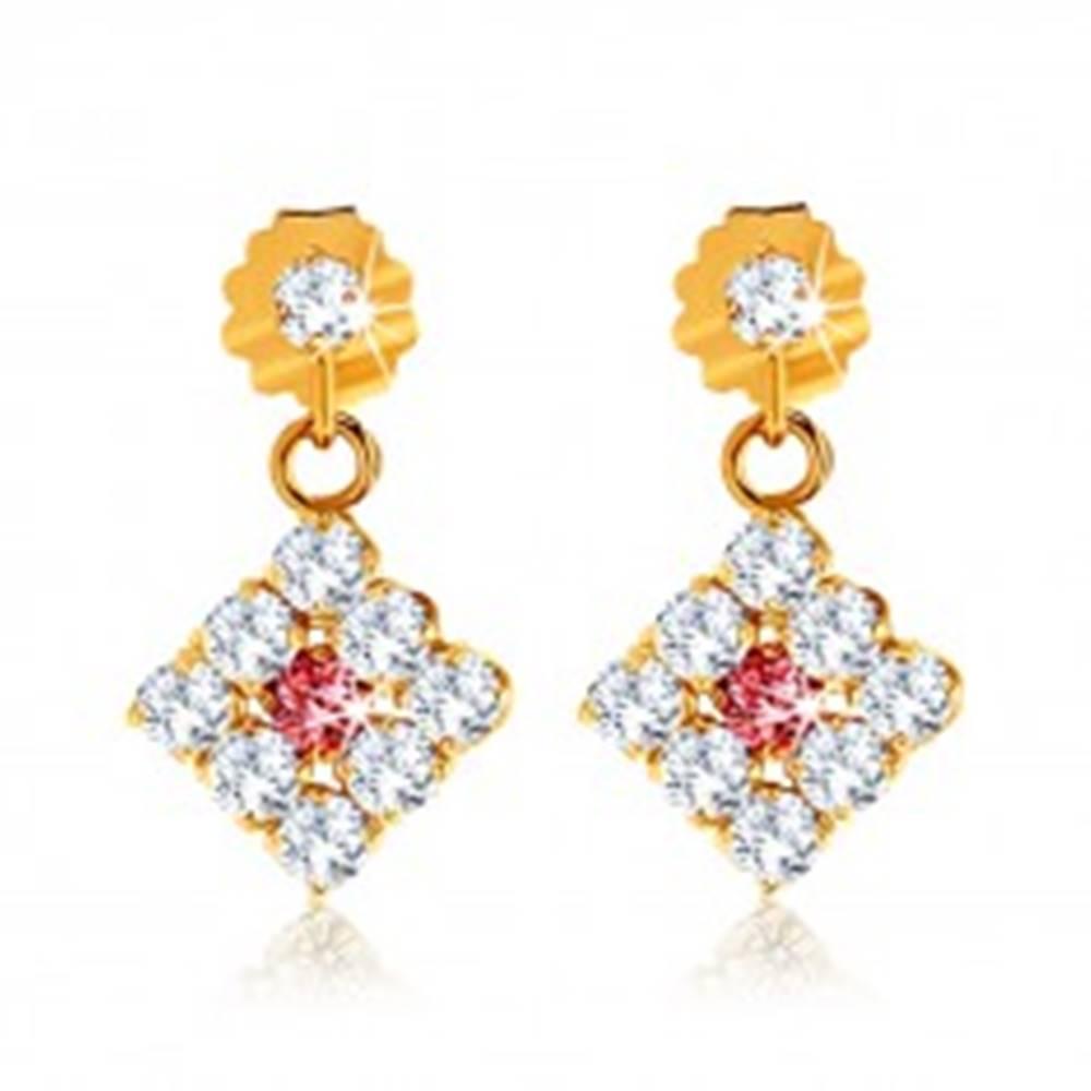 Šperky eshop Náušnice z 9K zlata - číre zirkónové kosoštvorce, tmavoružový rubín uprostred