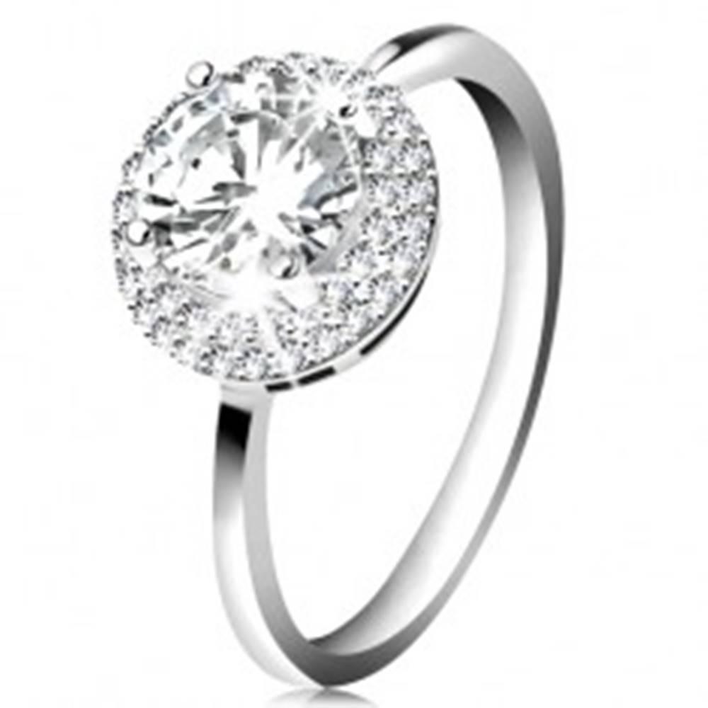 Šperky eshop Ródiovaný prsteň, striebro 925, okrúhly zirkón čírej farby, ligotavý lem - Veľkosť: 49 mm
