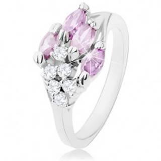 Lesklý prsteň striebornej farby, fialové zrnká, okrúhle číre zirkóny - Veľkosť: 50 mm