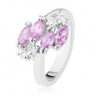 Prsteň v striebornom odtieni, svetlofialové zrnká, ligotavé číre zirkóny - Veľkosť: 49 mm