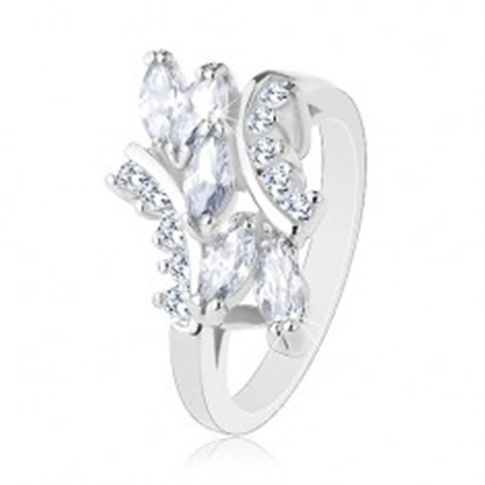 Šperky eshop Ligotavý prsteň v striebornom odtieni, okrúhle a zrnkové zirkóny čírej farby - Veľkosť: 48 mm