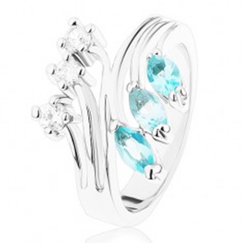 Šperky eshop Prsteň s rozvetvenými ramenami, svetlomodré a číre zirkóniky - Veľkosť: 55 mm