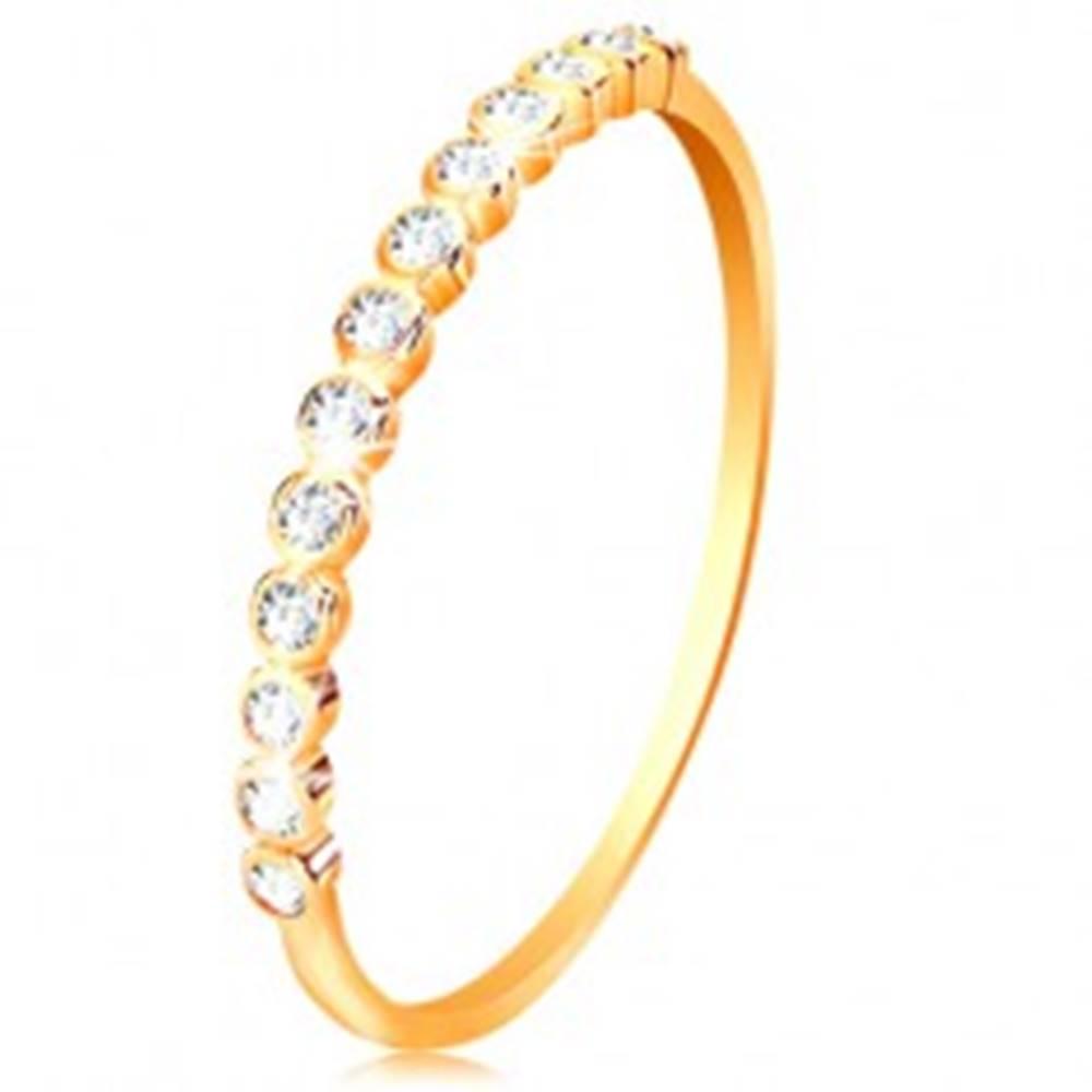 Šperky eshop Prsteň zo žltého 14K zlata - ligotavá zirkónová línia čírej farby - Veľkosť: 50 mm