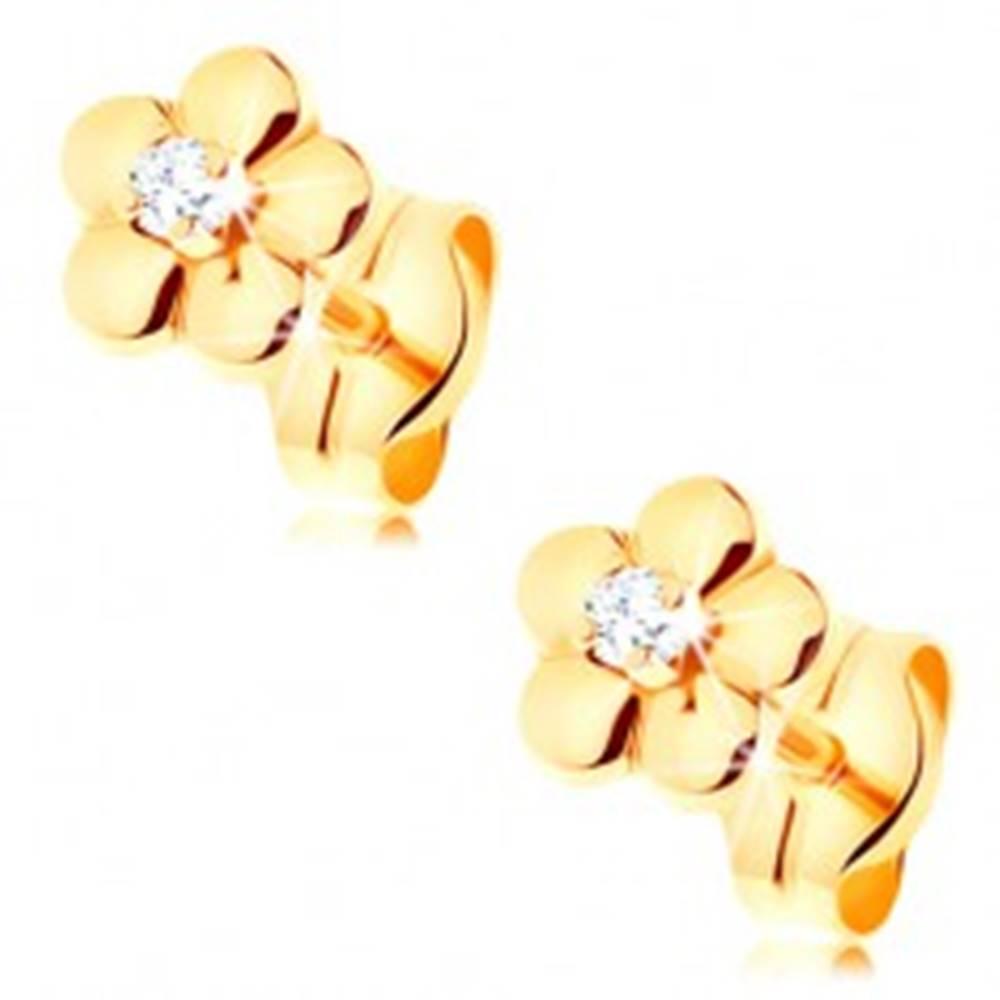 Šperky eshop Zlaté náušnice 585 - malý lesklý kvietok, vyvýšený číry diamant v strede