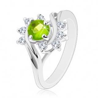 Lesklý prsteň so striebornou farbou, oblúky čírych zirkónov, svetlozelený zirkón - Veľkosť: 49 mm