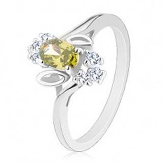 Prsteň v striebornom odtieni, svetlozelený brúsený ovál, lístočky, číre zirkóny - Veľkosť: 54 mm