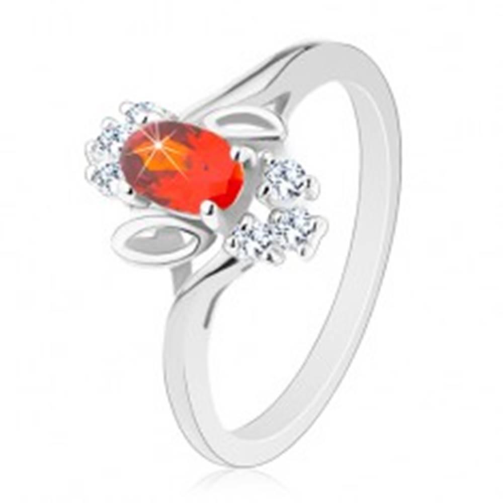 Šperky eshop Prsteň striebornej farby, tmavooranžový brúsený ovál, číre zirkóniky, lístočky - Veľkosť: 51 mm