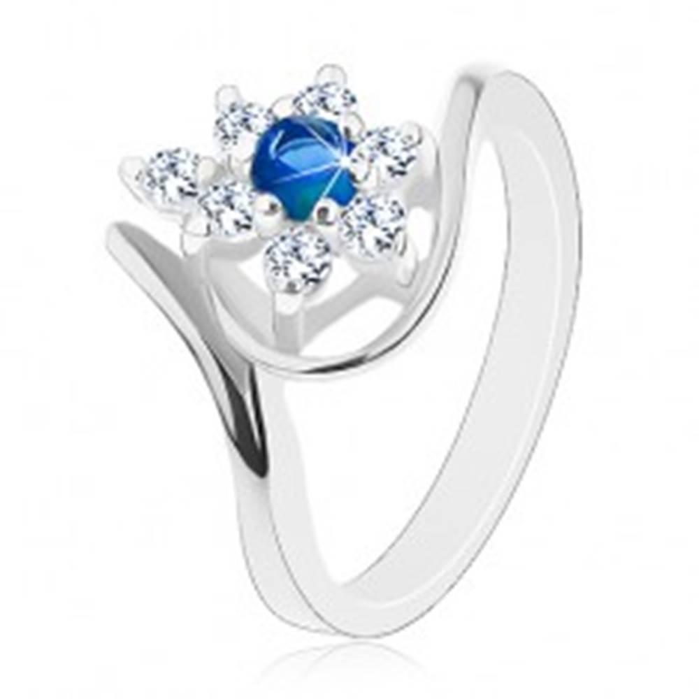 Šperky eshop Trblietavý prsteň v striebornom odtieni, tmavomodrý zirkón, číre lupene - Veľkosť: 49 mm