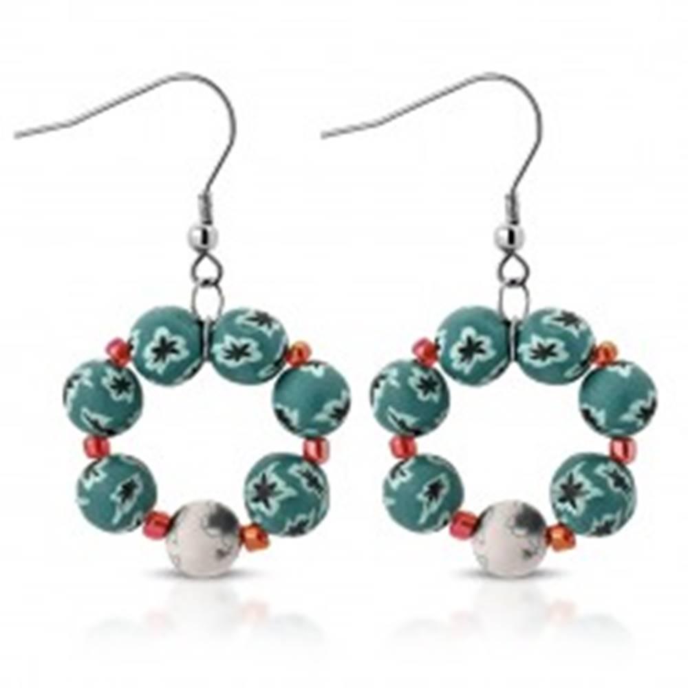Šperky eshop Náušnice FIMO - guličky bielej a modrozelenej farby zdobené kvietkami, farebné korálky