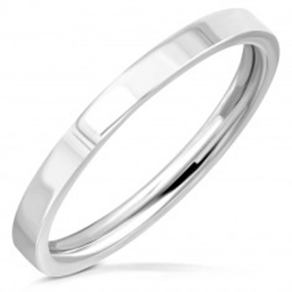 Šperky eshop Obrúčka z chirurgickej ocele - jednoduchý krúžok so zrkadlovolesklým povrchom, 2 mm - Veľkosť: 49 mm