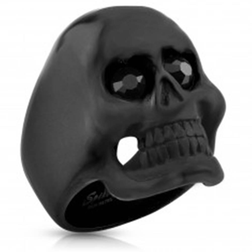 Šperky eshop Mohutný prsteň, oceľ 316L, lebka čiernej farby, matný povrch, čierne zirkóny - Veľkosť: 59 mm