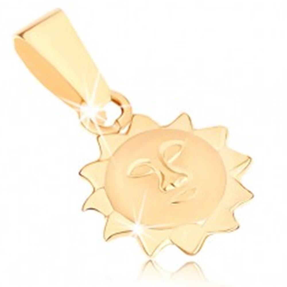 Šperky eshop Prívesok v žltom 9K zlate - slnko s matnou tvárou a lesklými lúčmi