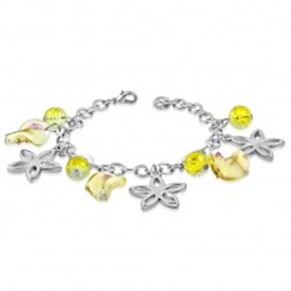 Šperky eshop Náramok striebornej farby s príveskami - obrysy kvetov, guličky, korálky s ružičkami