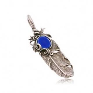 Oceľový patinovaný prívesok, indiánske pierko a oválny modrý kamienok