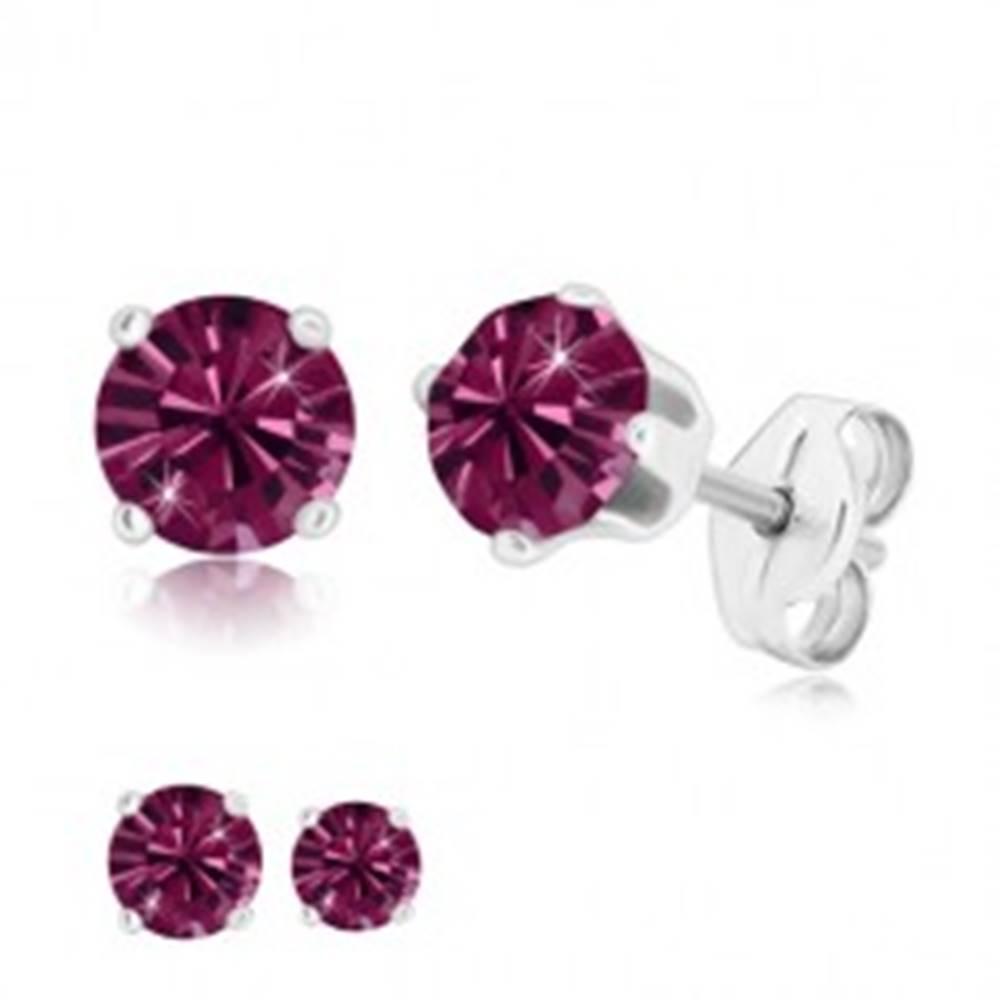 Šperky eshop Strieborné 925 náušnice - trblietavý zirkón fialovej farby uchytený štyrmi paličkami - Veľkosť zirkónu: 4 mm