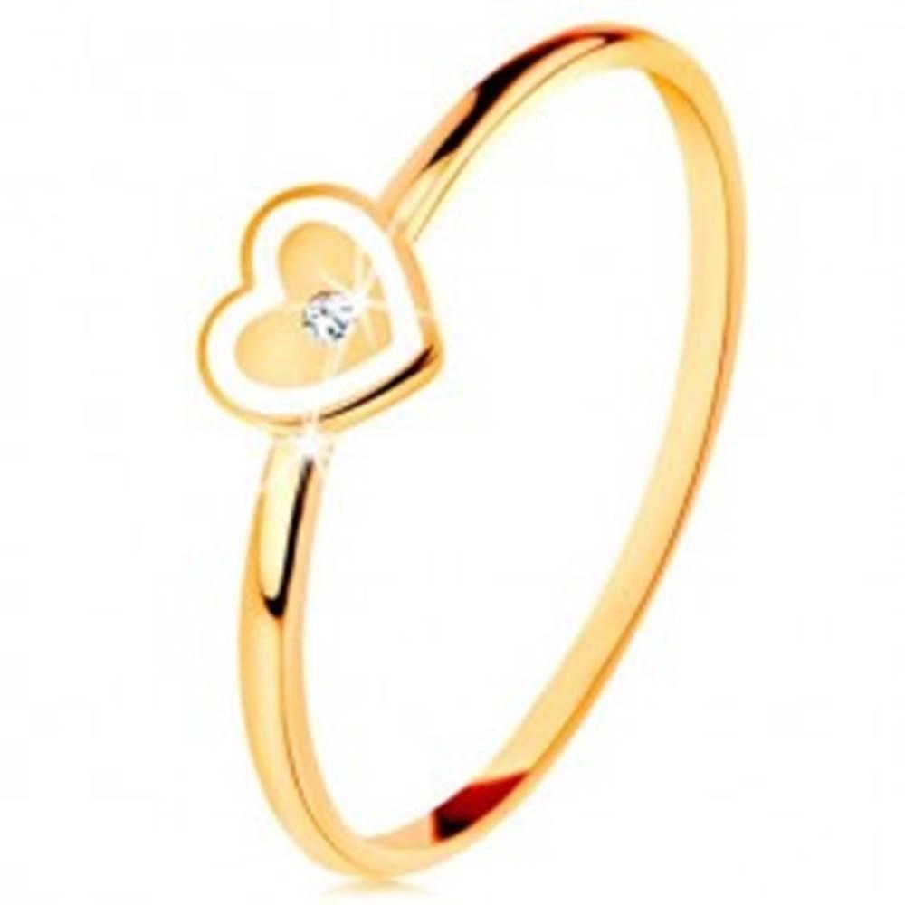 Šperky eshop Prsteň v žltom 9K zlate - srdiečko s bielym okrajom a čírym zirkónikom - Veľkosť: 49 mm
