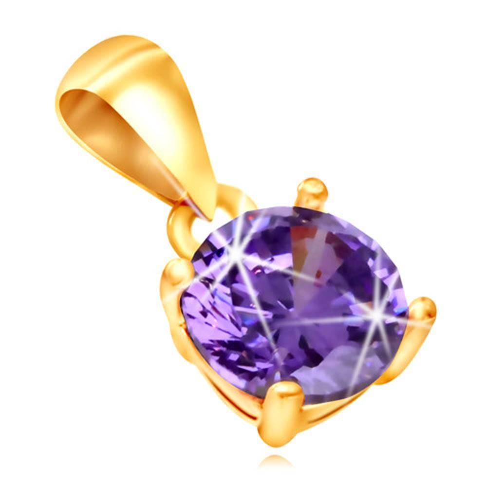 Šperky eshop Prívesok zo žltého 9K zlata - ligotavý fialový zirkónik v kotlíku