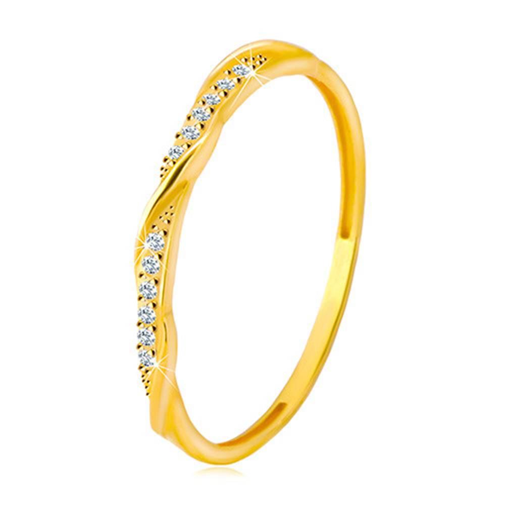 Šperky eshop Prsteň zo žltého 14K zlata - číra zirkónová kontúra popretkávaná lesklou a hladkou líniou - Veľkosť: 48 mm