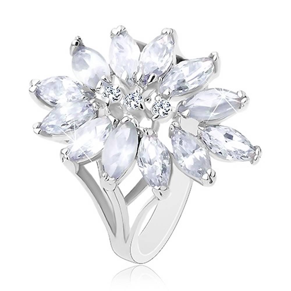 Šperky eshop Prsteň striebornej farby, veľký kvet tvorený zirkónovými zrnkami - Veľkosť: 51 mm, Farba: Mix